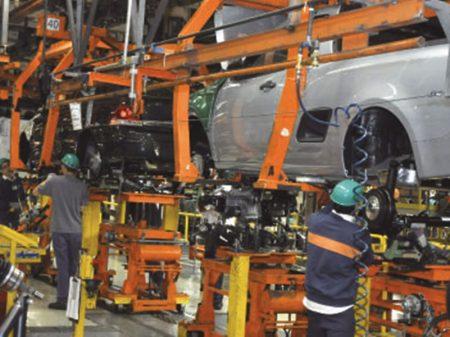 Caem vendas, produção e emprego nas montadoras