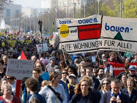 Berlim enfrenta monopólio imobiliário: congela aluguéis por cinco anos