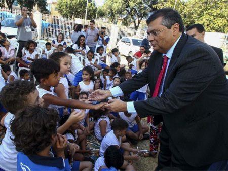 Governo do Maranhão anuncia piso salarial de R$ 6.358 para professores