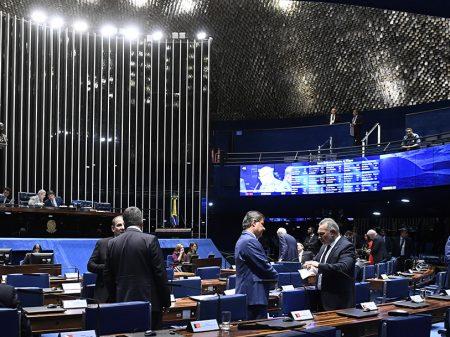 Senadores criticam Bolsonaro e seu apoio a atos contra o Congresso e o STF