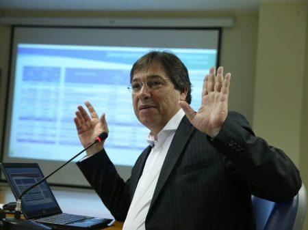 Governo promete a gringos vender Eletrobrás