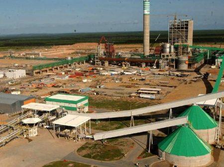 Indústria recua em 12 de 15 locais, diz IBGE