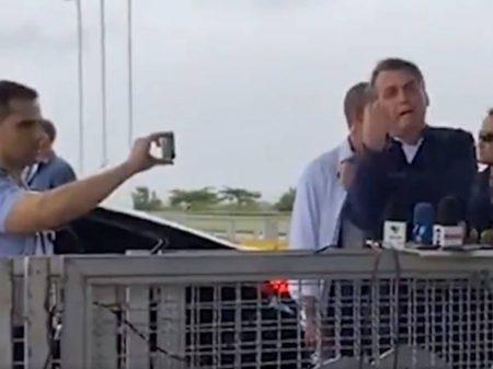 Bolsonaro ataca de novo a imprensa e ofende os jornalistas