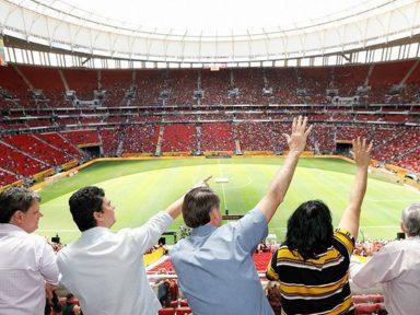 Bolsonaro é hostilizado no Mané Garrincha ao tentar parasitar Flamengo