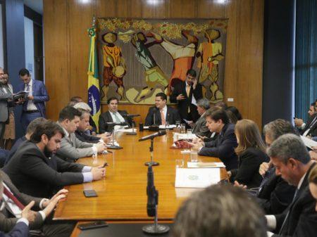 Líderes rechaçam ataques de Bolsonaro contra o Congresso e o STF