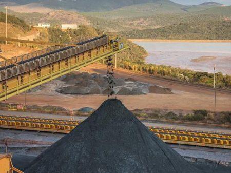 PL de Bolsonaro burla a Constituição para construir hidrelétricas em terras dos índios, denuncia instituto