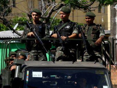 Pressão de governadores obriga Bolsonaro a manter tropas federais no Ceará