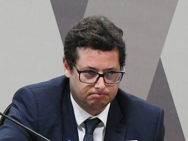 PF abre inquérito para investigar crimes do chefe da Secom