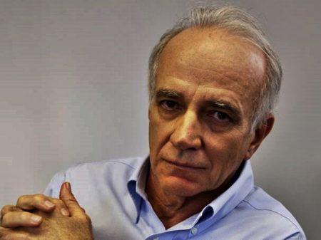 Lara Resende defende emissão de moeda