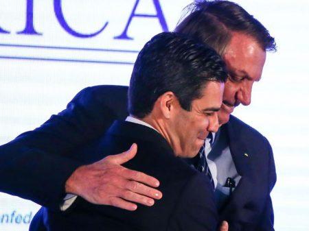 Bolsonaro realizará novo teste de coronavírus em breve e fica em isolamento