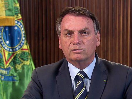 Jornal pede cópia do resultado do exame de Bolsonaro e não tem resposta