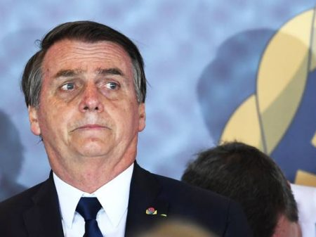 Medo do coronavírus faz Bolsonaro fugir da Polônia, Hungria e Itália