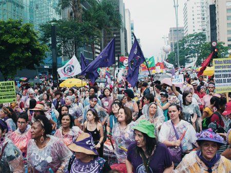 Mulheres vão às ruas de todo o país em defesa da Democracia