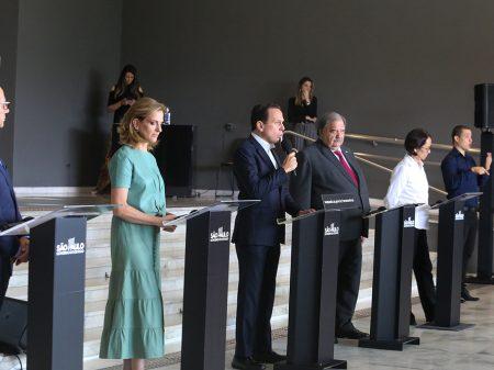 """Doria pede que as pessoas sigam """"os médicos e não Bolsonaro"""""""