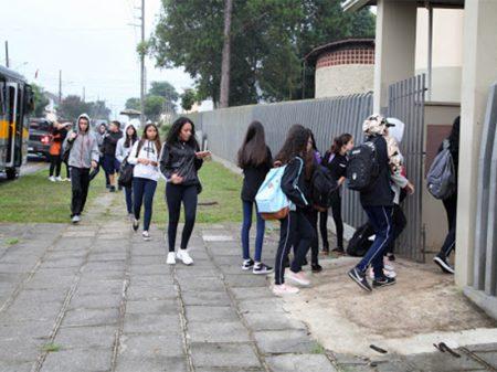 São Paulo e Rio paralisam aulas para conter coronavírus; Minas decreta emergência