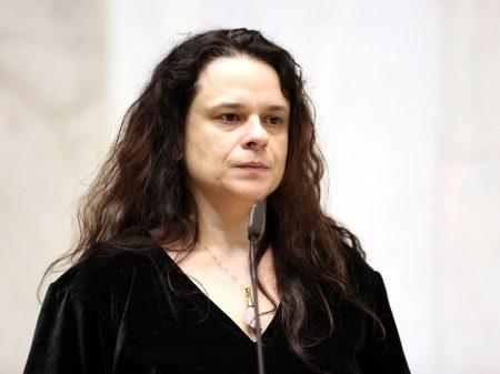Janaina diz que Bolsonaro praticou 'homicídio doloso' e 'tem que sair da Presidência'