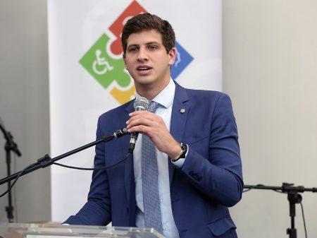 Covid-19: João Campos cobra que governo devolva R$ 5,1 bilhões à C&T