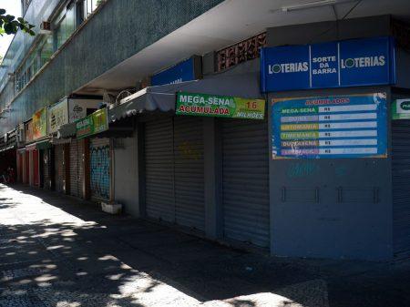 """Entidades repudiam campanha contra quarentena e pedem: """"fique em casa"""""""