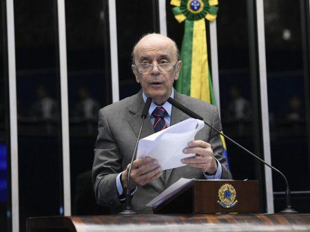 """""""É irresponsabilidade"""", diz Serra sobre Bolsonaro falar  que Covid-19 é """"gripezinha"""""""