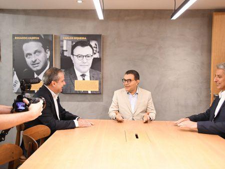 PSB cobra desculpas de Eduardo Bolsonaro à China em carta ao embaixador