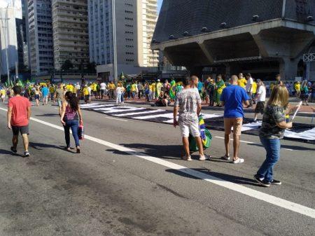 Claque bolsonarista ataca o Congresso, STF e Doria em ato esvaziado na Paulista