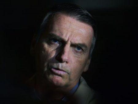 Bolsonaro volta a ignorar perigo do Covid-19 e ataca medidas dos governadores