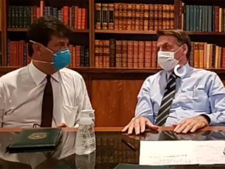 """Bolsonaro desconvoca ato, que ele disse que não convocou, por causa da """"fantasia"""" do coronavírus"""