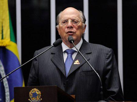 """""""MP pode pedir exame de sanidade mental para Bolsonaro"""", diz Reale Jr"""