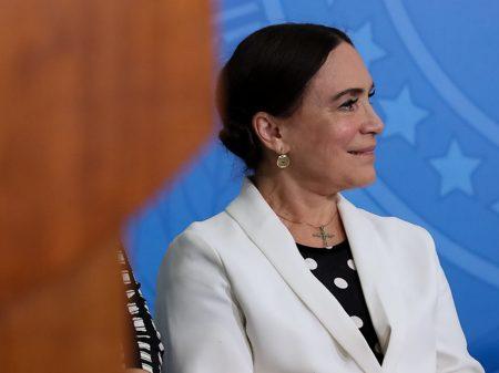 Ministro destrata Regina Duarte e anula nomeação de  auxiliar