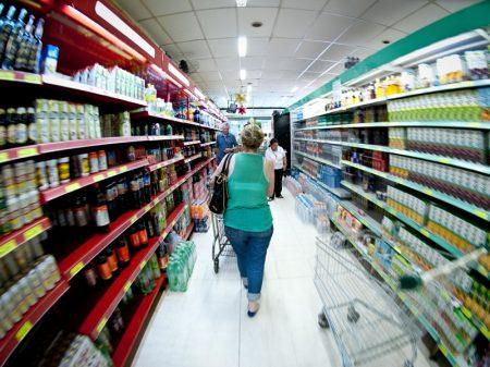 Consumo das famílias é o menor em três anos