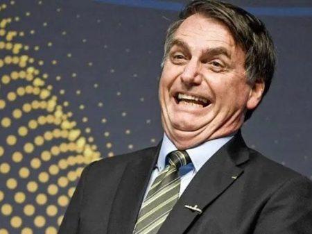 """""""E daí?"""", diz Bolsonaro sobre o recorde de mortes por coronavírus no Brasil"""
