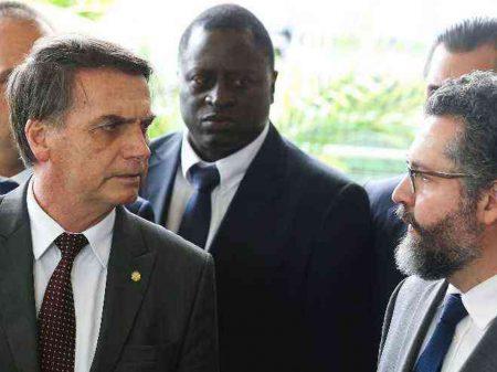 """Ex-ministros condenam a política externa de Bolsonaro: """"isola o Brasil"""", """"submissão a Trump"""""""