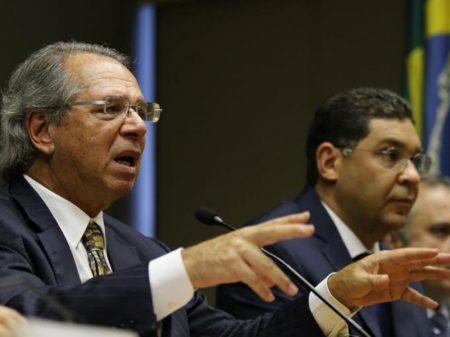Guedes quer usar lucro de R$ 400 bi do BC para engordar bancos
