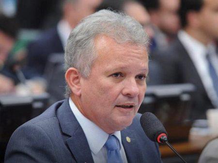 """""""Ele quer tirar diretor da PF para seus filhotes não serem importunados"""", diz líder da oposição"""