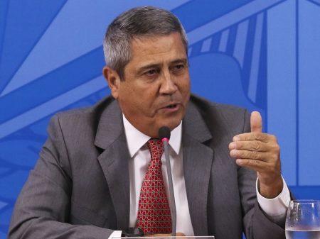 General Braga Netto apresenta plano pró-Brasil