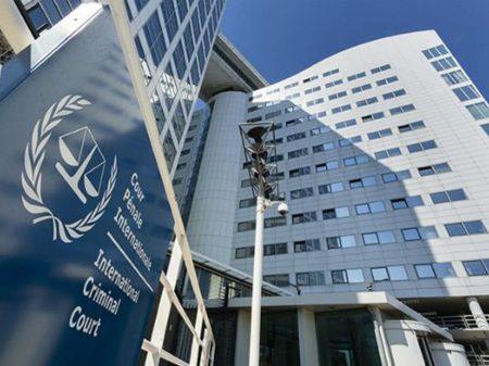 Juristas denunciam no TPI que Bolsonaro é uma ameaça à vida da população
