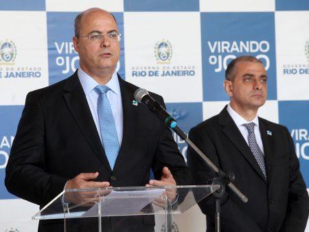 """""""Ironia de Bolsonaro com as mortes é absolutamente inaceitável"""", diz Witzel"""