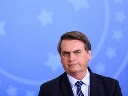 Bolsonaro volta a defender que 70% do país seja infectado, com milhões de mortes