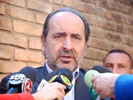 Não adianta pressão para recuar da quarentena, afirma prefeito de BH