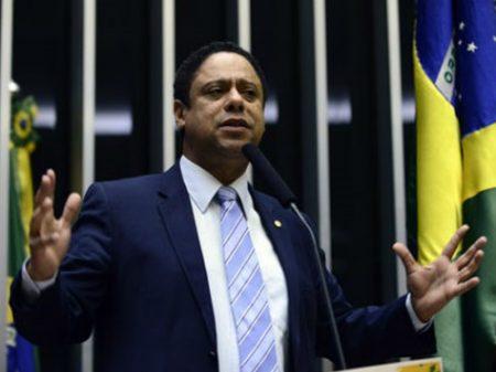 Orlando Silva: intenção do governo é acobertar crimes