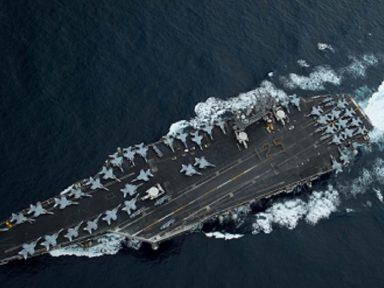 EUA: é afastado capitão que pediu a saída de tripulantes de porta-aviões com surto a bordo