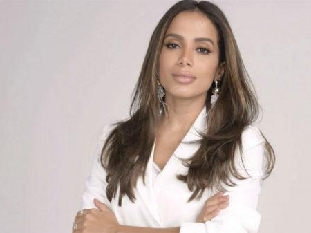 Anitta questiona Regina sobre ditadura e descaso com mortes