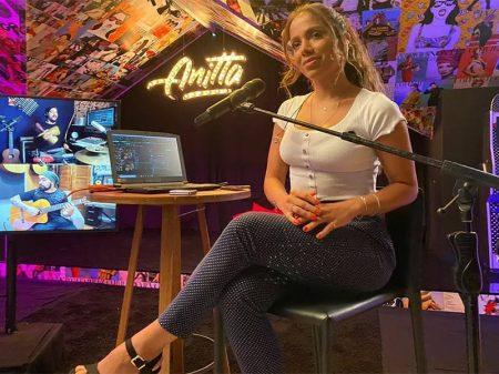 Camarada Anitta tonifica a frente ampla da Cultura