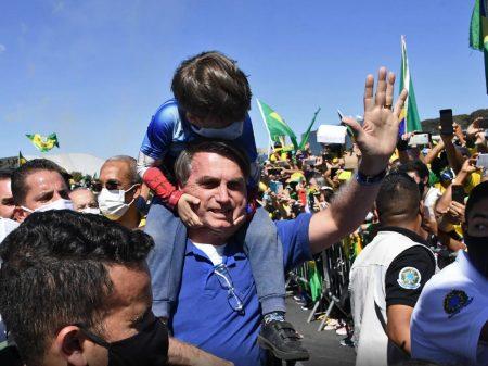 """Mais de 670 juristas denunciam """"ação genocida de Bolsonaro"""""""
