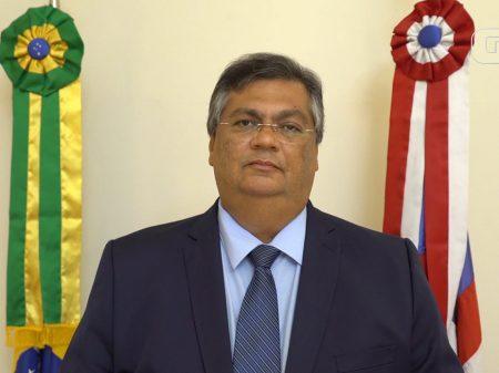 """Bolsonaro ataca restrição no MA e Dino rebate: """"não deveria andar de jet ski para 'comemorar' 10 mil mortos"""""""