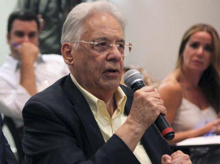 """""""Bolsonaro dá cambalhota e ele mesmo escorrega; é patético"""", afirma FHC"""