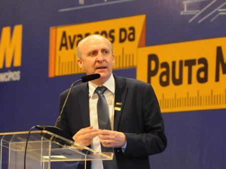Sancionar ajuda é urgente, diz presidente da CNM