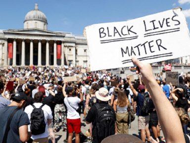 Atos em Londres, Berlim e Toronto condenam violência racista que matou Floyd