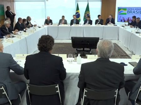 PF pede depoimento de Bolsonaro e mais prazo para apurar interferência no órgão