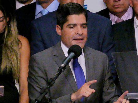 """DEM rebate Bolsonaro: """"combateremos qualquer tentativa de intimidação às instituições"""""""
